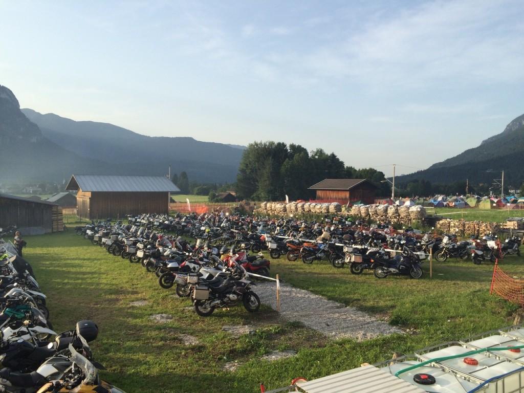Zahlreiche BMW Motorräder am Hausberg 2015