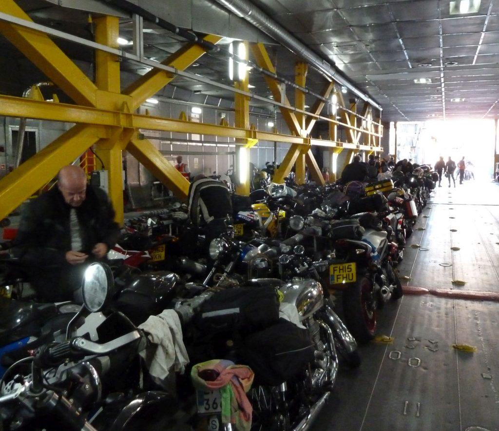 Fast ein reiner Motorradtransport die Fähre zur Isle of Man