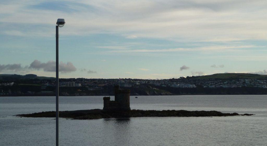 Blick von der Fähre in den Hafen der Isle of Man - Douglas