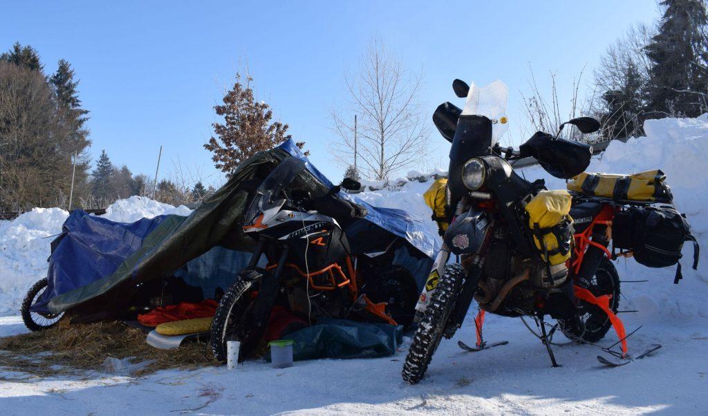 Zelten im Winter beim Elefantentreffen