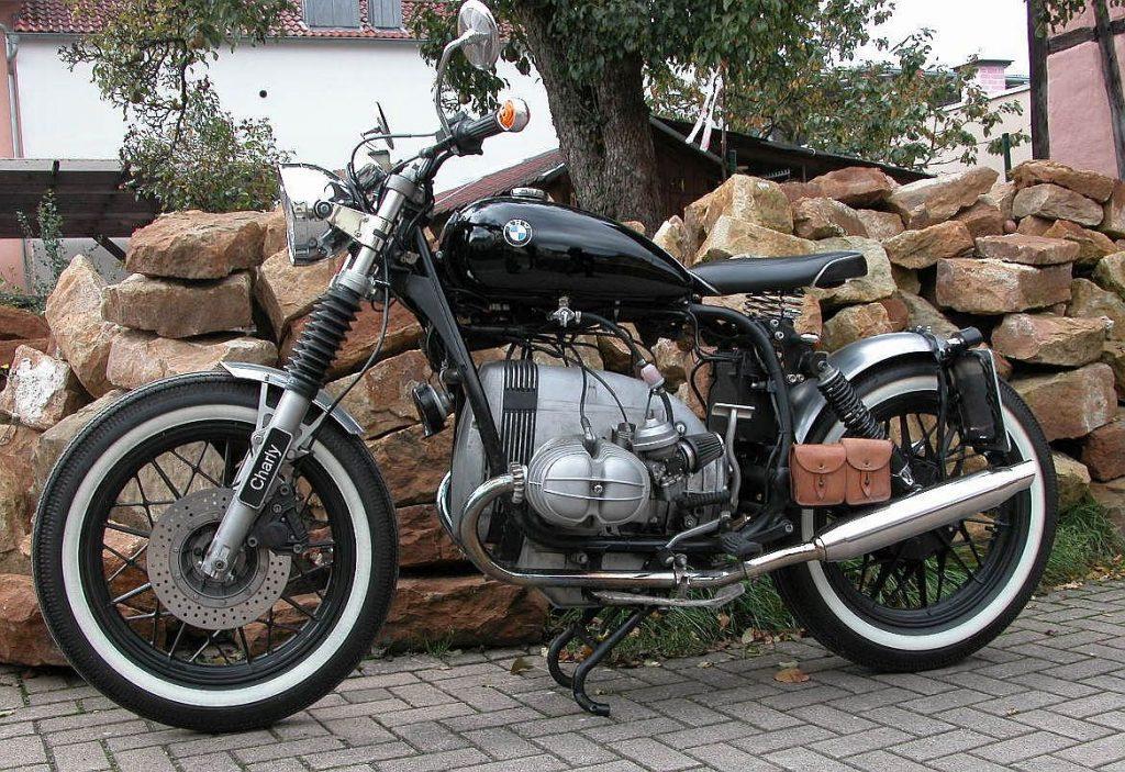 Umbau mit Harley Tank und Weißwandreifen