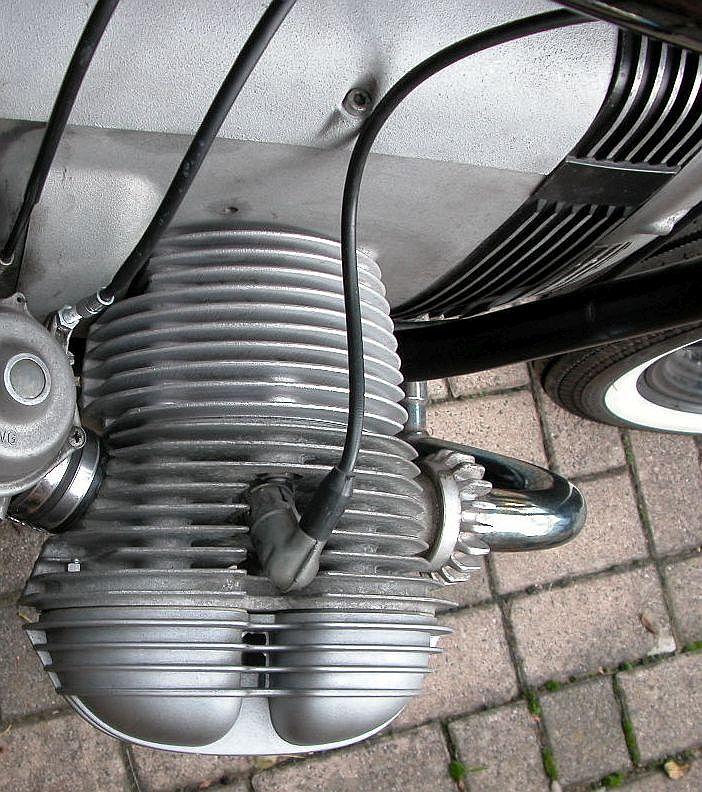 Umbau rechter BMW Motorrad Zylinder