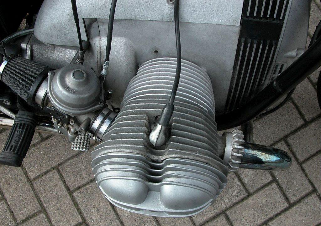Umbau der Zylinder am R 45 Boxer Motorrad Bobber