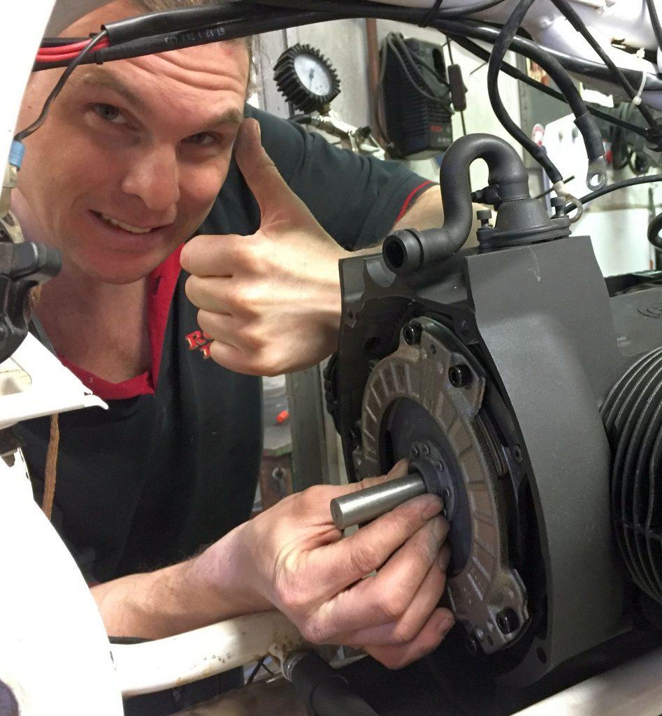 Einbau der Sinterkupplung in den BMW Motorrad Boxer
