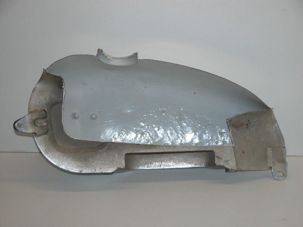 Der Rost wurde entfernt und der Tank innen mit KREEM versiegelt