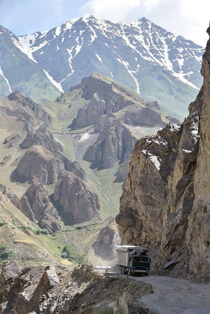 Eine spannende Fahrt auf dem Pamir Highway mit den Boxern