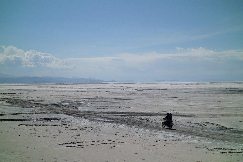 Ein ausgetrockneter See in Iran. Der größte Binnensee des Iran