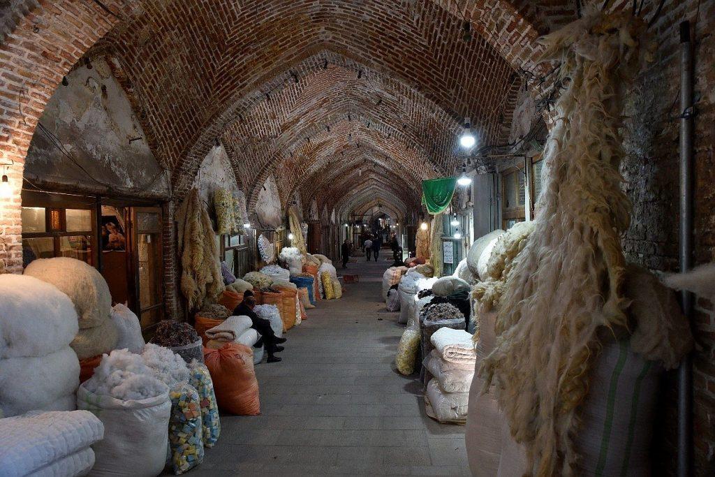 Einkaufspassage im Iran, Tabritz, mit dem Boxer auf Reise